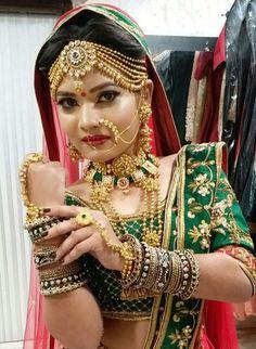 Looking for Akriti Kakkar in Crimson Bridal Lehenga? Browse of latest bridal photos, lehenga & jewelry designs, decor ideas, etc. on WedMeGood Gallery. Indian Bridal Photos, Indian Bridal Makeup, Indian Bridal Fashion, Bridal Beauty, Bridal Makup, Wedding Photos, Bridal Pics, Bridal Photoshoot, Asian Bridal
