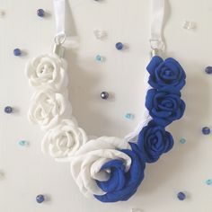 Necklace. Made of foam and 100% cotton