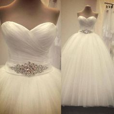 Crystal Sweetheart Cheap Wedding Dresses Off Shoulder Wedding Dress Gowns Backless Tulle Criss-Cross Ball Gown Sash Fashion Custom 2017 New Bridal Dresses