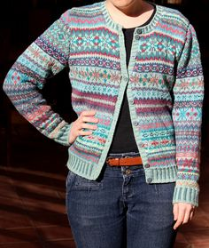 a knit and crochet community Fair Isle Knitting Patterns, Fair Isle Pattern, Knitting Designs, Knitting Projects, Cardigan Pattern, Knit Cardigan, Knit Sweaters, Cardigans, Fair Isles