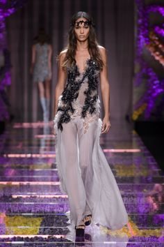 Versace haute couture jesień-zima 2015/2016, fot. Imaxtree