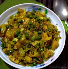 banaras ka khana: patta gobhi matar wali subzi | cabbage and peas dry curry
