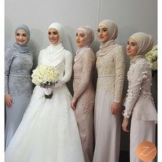 Hijab styling, on these 5 beauties yesterday! More photos will be posted soon. X #veiledbyzara Brides dress: @bridesbyfrancesca The rest of the ladies are dressed in: @halathelabel