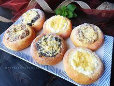 Raspberrybrunette: Hanácke koláče plnené Muffin, Ice Cream, Bread, Breakfast, Recipes, Food, Buns, Nice, Basket