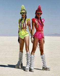 Get formed specifically for your next fest from the chief in rave attires! Festival Looks, Festival Mode, Festival Gear, Music Festival Outfits, Festival Costumes, Rave Festival, Festival Fashion, Rave Costumes, Burning Man Style