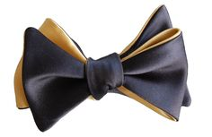 Looking for an outstanding bow ties that is not over the top? This matte gold and black bow tie will stand out without shouting out.