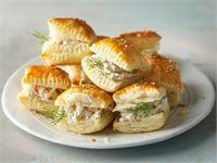 Helpot lohineliöt Baking Recipes, Real Food Recipes, Yummy Food, Salmon Appetizer, Salty Snacks, Xmas Food, Winter Food, Food Hacks, I Foods