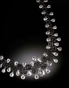 Carnet diamond fantasy necklace with white and black diamonds