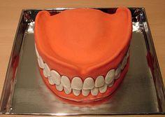 A dentist cake Crazy Cakes, Unique Cakes, Creative Cakes, Dental Cake, Dental Teeth, Tooth Cake, Cool Cake Designs, Funny Cake, Gourmet