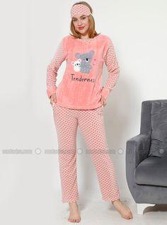 Girls Pajamas, Pajamas Women, Kids Fashion, Graphic Sweatshirt, Sweatshirts, Boots, Cute, Sweaters, Dresses