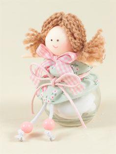 Bomboniera con vasetto vetro e bambolina di pezza. Scopri le idee e realizza la bomboniera adatta al tuo evento firmato shopguerrini.com