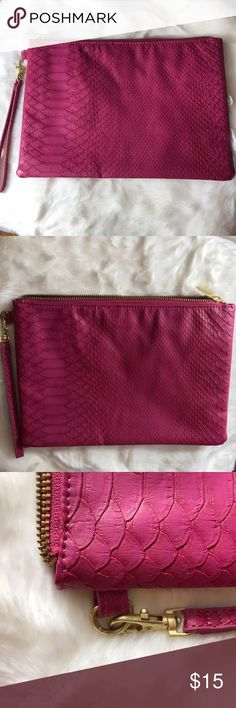 "NWOT - Large Berry Wristlet Plum/berry color. Larger faux leather wristlet, flat style with brushed gold colored hardware. Wristlet strap can be removed. Brand new, just no tags. Never used! 8"" x 11"". Old Navy Bags Clutches & Wristlets"
