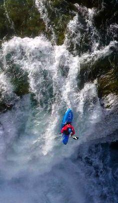 #LL @LUFELIVE #thepursuitofprogression #Kayaking A massive drop in Iceland.