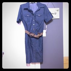 Fun jean shirt dress w/brown wicker belt! 8 Fun Jean short dress by Sharagano! Gold button details on pockets and cuffed sleeves! Wicker brown patterned belt that you can buckle anywhere !! 39 inches long, 9 inch sleeves, 17 bust layed flat, 18 inch waist layed flat Sharagano Dresses