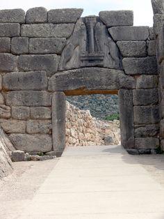 Particolare del tesoro di atreo o tomba di agamennone - La porta dei leoni a micene ...
