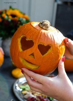 Geschnitze Kürbisse und eine bunte, gesunde Platte Beste Mama, Fall Diy, Halloween Diy, Pumpkin Carving, Bunt, Clay, Photoshoot, Autumn, Pumpkin Ideas