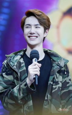 Amo quando ele sorri ♡