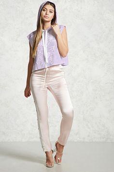 PEDIDOS SOLO POR #ENCARGO  #LookBookMayo2017  Código: F-58 Velvet Sleeveless Hoodie Color: Lavender  Talla: S-M-L Precio: ₡20.500  Whatsapp ☎ 8963-3317, escribir al inbox 🚚💨Envíos a todo el país. #MayaBoutiqueCR 💖