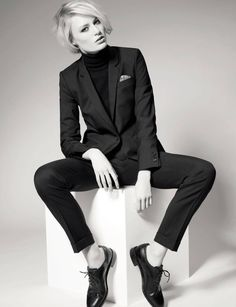 Black turtleneck + black suit + oxfords