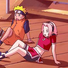 Hahaha I miss when they were like this :) Naruto and Sakura #naruto