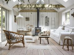 Home Decorating Style 2019 for 11 Rustic Living Rooms Lighting, Recommended Ideas for this Year, you can see 11 Rustic Living Rooms Lighting, Recommended Ideas for this Year and more pictures for Home Interior Designing 2019 at Homedecorlinks. Summer House Interiors, Cabin Interiors, Ikea Home, Farmhouse Remodel, Mediterranean Decor, Dining Room Design, Style At Home, Home Fashion, New Homes