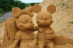 Mickey & Minnie Sand Art