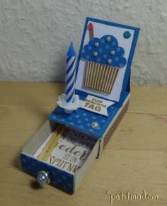 Celebrate birthday on the go - Matchbox, card with candle Informations About Unterwegs Geburtstag feiern Pin You can easily use my - Matchbox Crafts, Matchbox Art, Diy Birthday, Happy Birthday Cards, Tarjetas Diy, Magic Party, Mini Albums Scrap, Crafts For Boys, Easel Cards