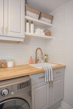 82 Remarkable Laundry Room Layout Ideas for The Perfect Home Drop Zones Waschküche Arbeitsplatte Ideen Related posts: No related posts. Laundry Room Layouts, Small Laundry Rooms, Laundry Room Organization, Laundry Room Design, Laundry Room Shelving, Laundry Decor, Laundry Room Bathroom, Bath Room, Laundry Room Countertop