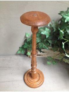 Porte chapeau en bois clair patin par le temps pour y poser un b ret un cha - Porte chapeau ancien ...