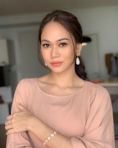 Girl Face, Sexy Asian Girls, Blouse Designs, Curvy, Rose, Big, Beauty, Beautiful, Fashion