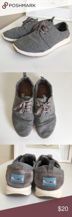 TOMS Gray Felt Sneaker Size 7 TOMS Gray Felt Sneaker Size 7. Some wear. Toms Shoes Sneakers