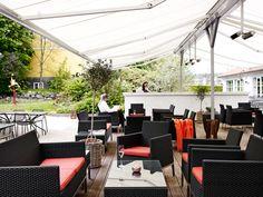Terrassen #comwell #Korsør #terrasse #hygge #hotel Hygge, Spa, Outdoor Decor, Home Decor, Porches, Decoration Home, Room Decor, Home Interior Design, Home Decoration
