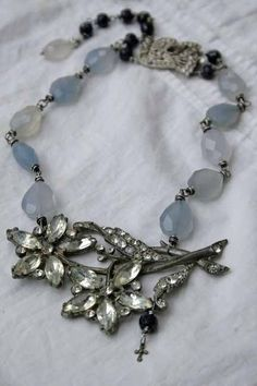 Deryn Mentock online jewelry making class The Art of Alchemy somethingsublime. Recycled Jewelry, Old Jewelry, Jewelry Crafts, Jewelry Art, Antique Jewelry, Beaded Jewelry, Jewelery, Vintage Jewelry, Jewelry Design