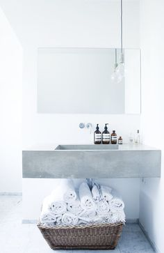 Bathroom interior interior design bathroom design decorating before and after Bad Inspiration, Bathroom Inspiration, Home Interior, Bathroom Interior, Parisian Bathroom, Bathroom Modern, Simple Bathroom, Bathroom Remodeling, Concrete Bathroom