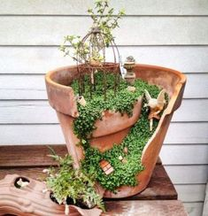 Brilliant Way To Turn Broken Pots Into Incredible Artwork