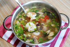 ต้มยำกุ้งน้ำใส แบบเผ็ดเปรี้ยวร้อนและแซ่บเวอร์ / Tom Yum Goong ( Thai Spi...