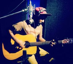tracking a song by one of my idol@ edshareen-- JVbaby