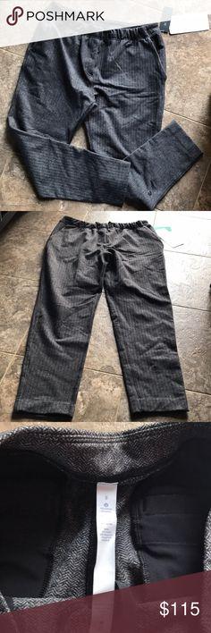 Lululemon Jet Crop Slim Herringbone Black size 8 New with tags. Size 8. Black grey Herringbone lululemon athletica Pants Ankle & Cropped