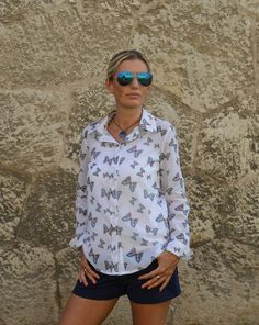 d8fecca719 Ladies light and airy summer cotton shirt with pattern - Butterfly