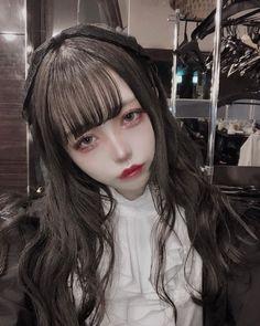Aesthetic Japan, Aesthetic Girl, Korean Girl, Asian Girl, Two Color Hair, Cute Girls, Cool Girl, Japonese Girl, Anime Cosplay Makeup