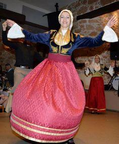 Ένωση Κρητών Νέας Σμύρνης - Κοπή Βασιλόπιτας 2015 / Cretan Association of Nea Smyrni - Kopi Vasilopita 2015 (Pie cutting to celebrate the new year) Greek Costumes, Greek Culture, Folk Costume, Dance, Traditional, Places, Style, Fashion, Greek