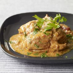 Enjoy a tasty and delicious meal in Learn how to make Slow cooker chicken tikka masala and get the Smartpoints of the recipes. Slow Cooker Recipes Uk, Healthy Slow Cooker, Ww Recipes, Sauce Recipes, Slimming Recipes, Cooking Recipes, Healthy Recipes, Corn Beef And Cabbage, Cabbage Recipes