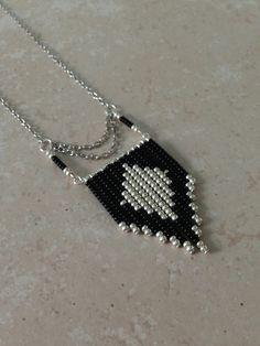 collier-sautoir-navajo-chic-noir-et-argenta-6004559-image-5c2f6_big.jpg (Image JPEG, 1080×1440 pixels)
