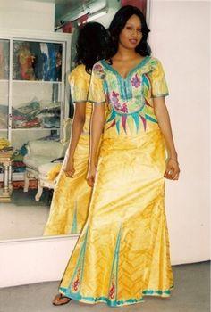 Robe de la femme africaine bazin par NewAfricanDesigns sur Etsy