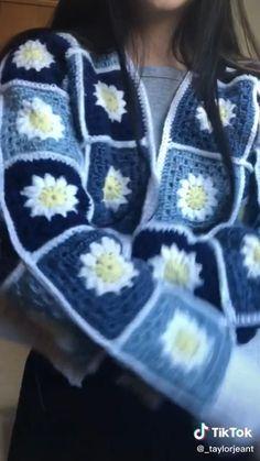 Diy Crochet Projects, Crochet Crafts, Knitting Projects, Knitting Patterns, Sewing Patterns, Crochet Patterns, Diy Clothing, Sewing Clothes, Crochet Clothes