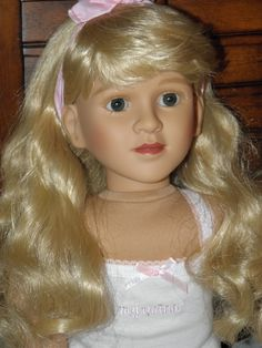 Vintage Sharon face mold- Ellafair. D10 eyes, o1 vinyl.