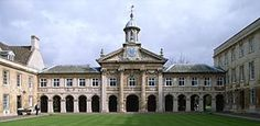 Christopher Wren is one of my favorite architects...mostly because he was a sneaky ingenious man. Emmanuel College Chapel...it may look even to the 2 building flanking it, but it's not!!