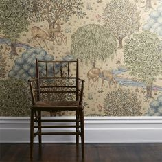 Digital printed wallpaper, inspired on a tapestry Morris designed.