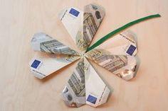 Lucky Clover Finale (Diy Geschenke Mann) - ways to give money - Money Origami, Origami Easy, Diy Presents, Diy Gifts, Diy Birthday, Birthday Presents, Boite Explosive, Don D'argent, Diy Wedding