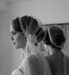 Eleganter Haarschmuck für die Braut im Stil der 20er, 40er und 50er Jahre…